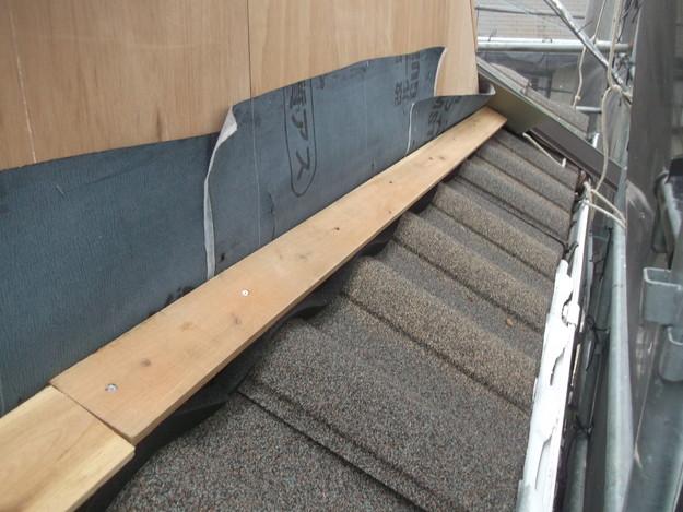 高級高性能洋風金属瓦によるカバー工法屋根リフォーム工事DSCF2796