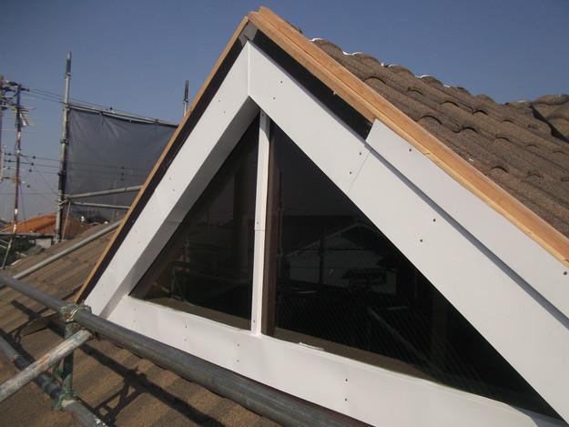 高級高性能洋風金属瓦によるカバー工法屋根リフォーム工事DSCF2804